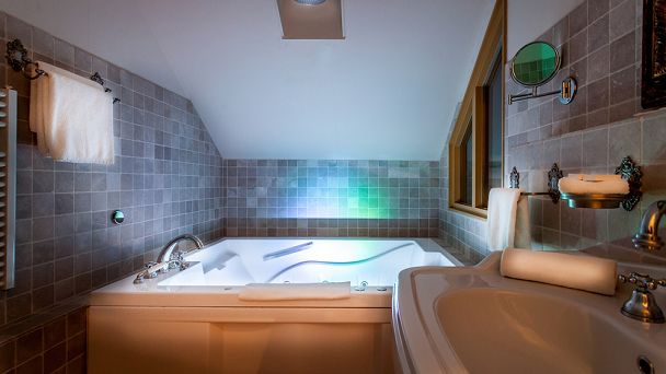 Heerlijk bubbelen samen in Hotel Resort Landgoed Westerlee