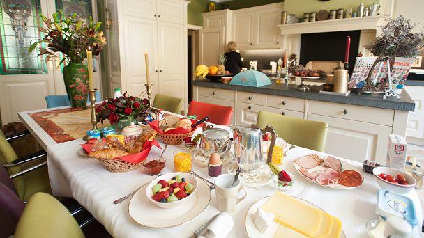 Iedere ochtend genieten van een uitgebreid ontbijt.