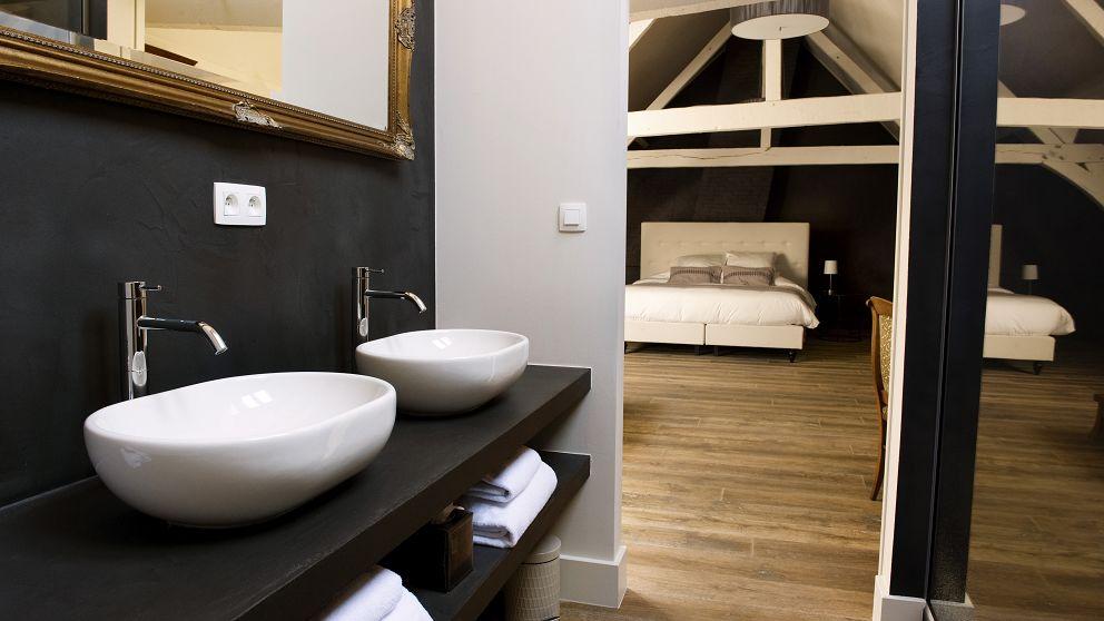 Ganda Rooms & Suites